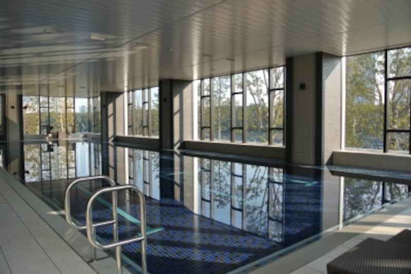 「スカイズundefinedタワー&ガーデン」のプール