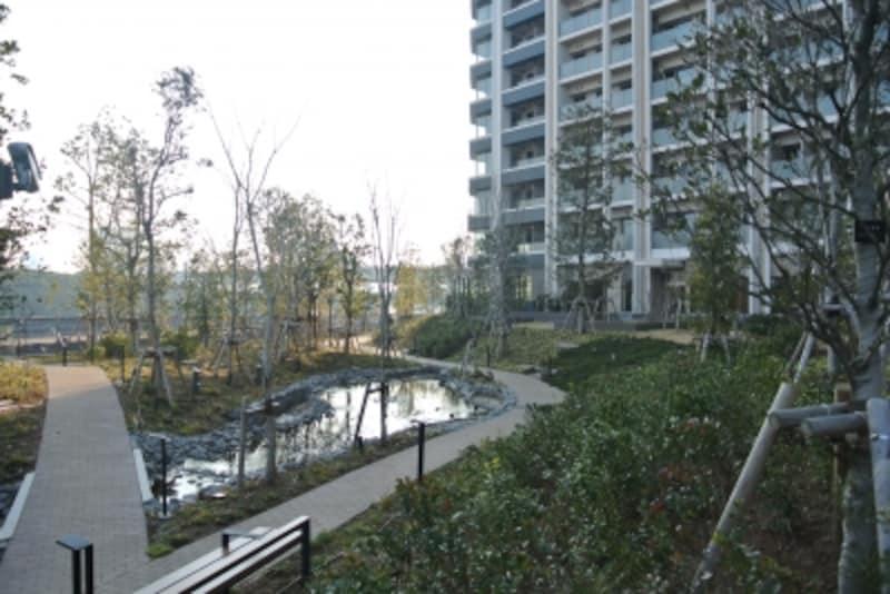 「スカイズundefinedタワー&ガーデン」の万緑の杜