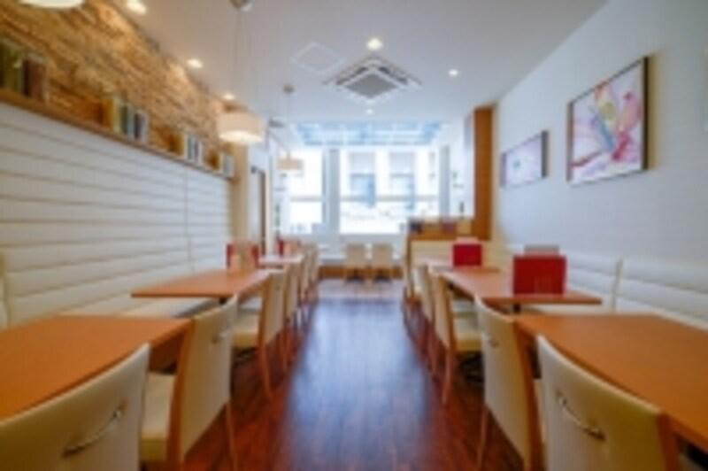 風水の仕掛けが888箇所仕掛けられたカフェの中で開運できる