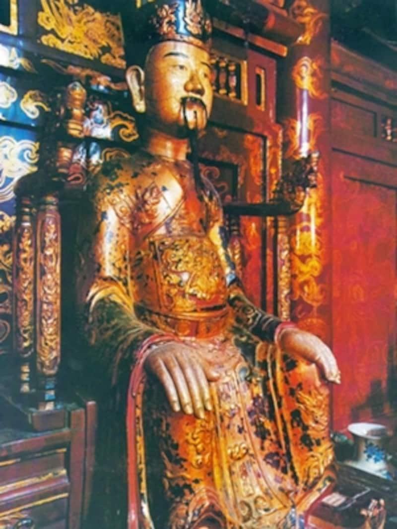 ディン・ティエン・ホアン像