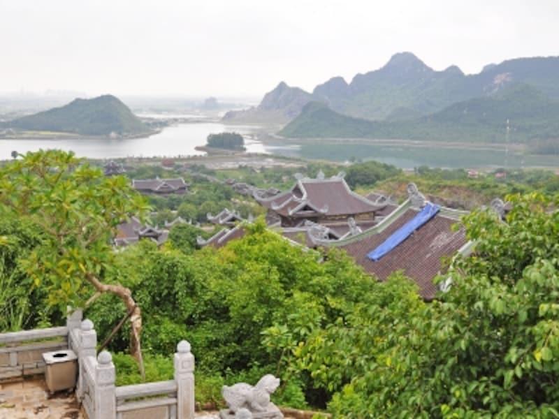 バイディン寺から望むチャンアンの山々