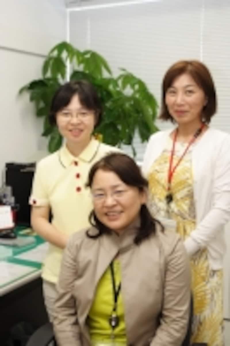 左から吉村尚美助教、武田道子准教授、辻京子講師