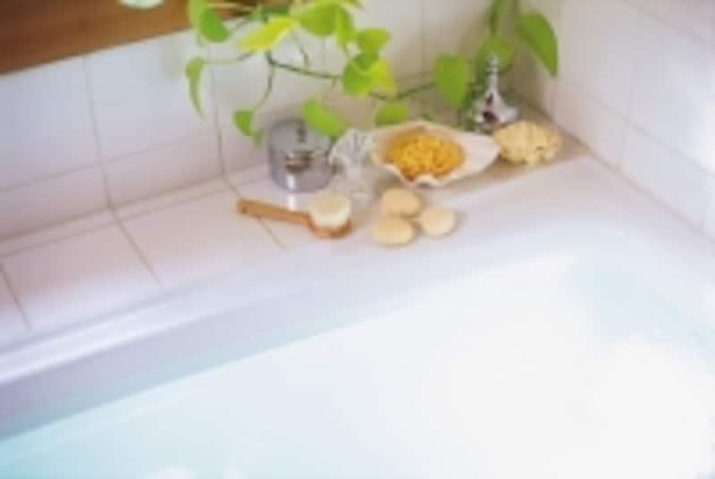 お風呂の「温熱作用」という効果は、血液をあたため、血管が広がり、全身の血の巡りが良くなります