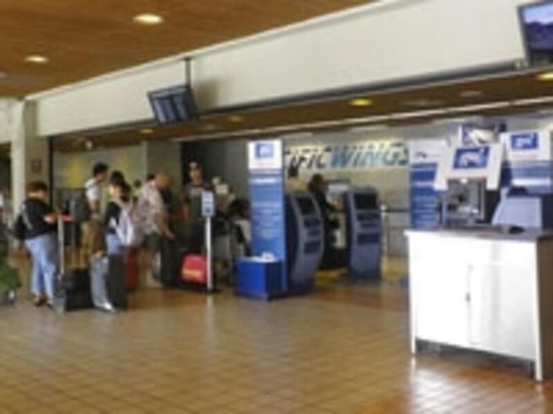 格安航空会社、GO!モクレレ空港のカウンター