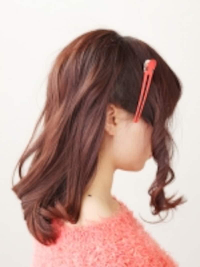 髪を前後に分ける