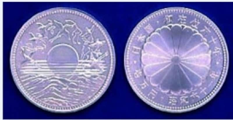 昭和天皇御在位60年記念10,000円銀貨の価値は?