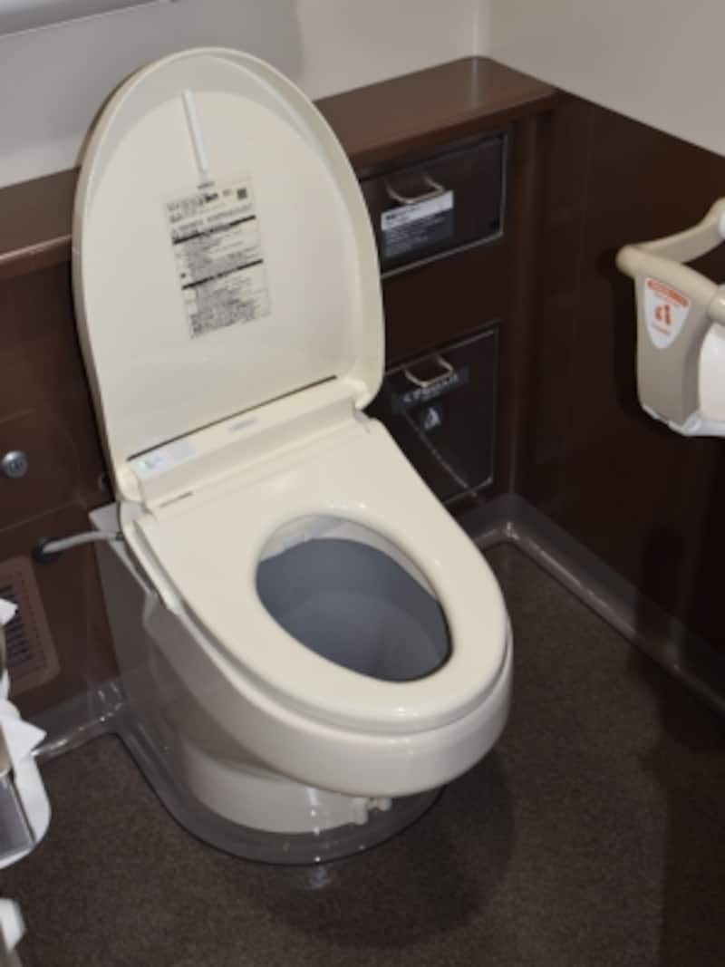 とても清潔な印象のトイレ