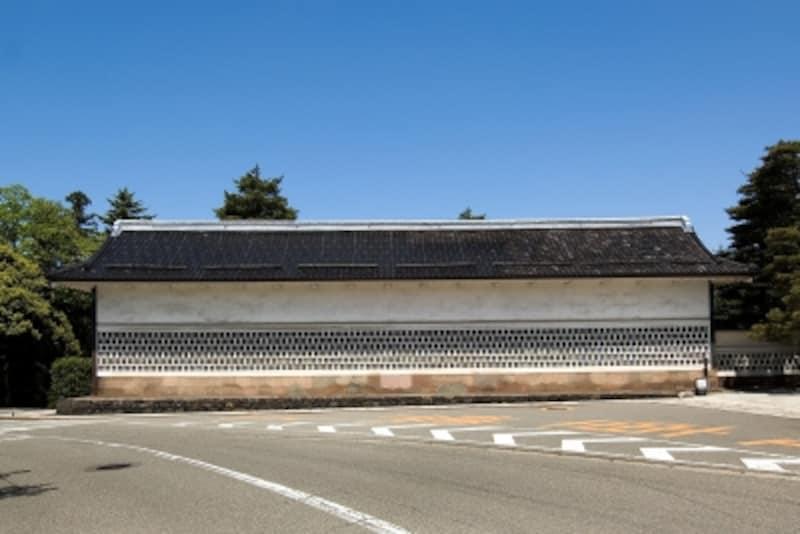 成巽閣の海鼠塀