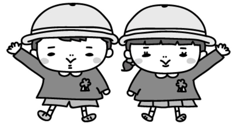 【モノクロ】制服を着た男の子と女の子のイラストです。