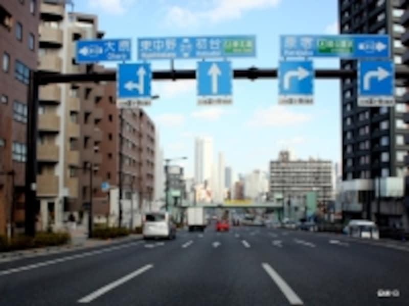 万年渋滞のひとつだった山手通り「富ヶ谷」信号付近もスムーズに。
