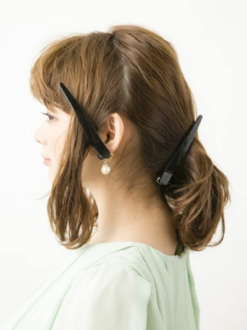 耳前と耳後ろでブロッキング【大人っぽいシニヨン風アップヘアスタイル】