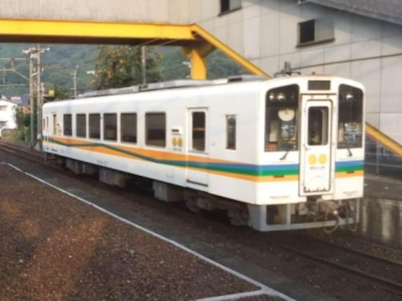 肥薩おれんじ鉄道の列車/肥後田浦駅