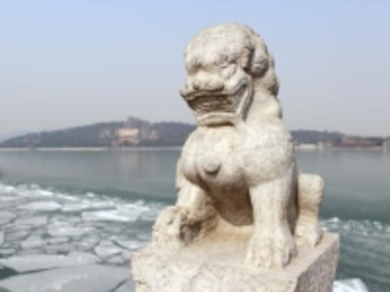 頤和園「十七孔橋の獅子」