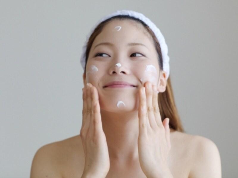 敏感肌用の化粧品で優しく保湿