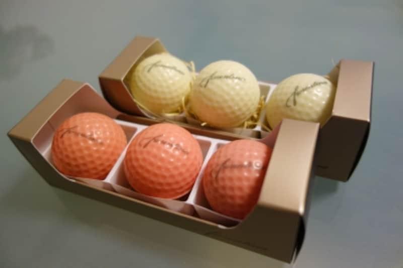 ゴルフボールショコラ(ピンク)とゴルフボールショコラ(ホワイト)