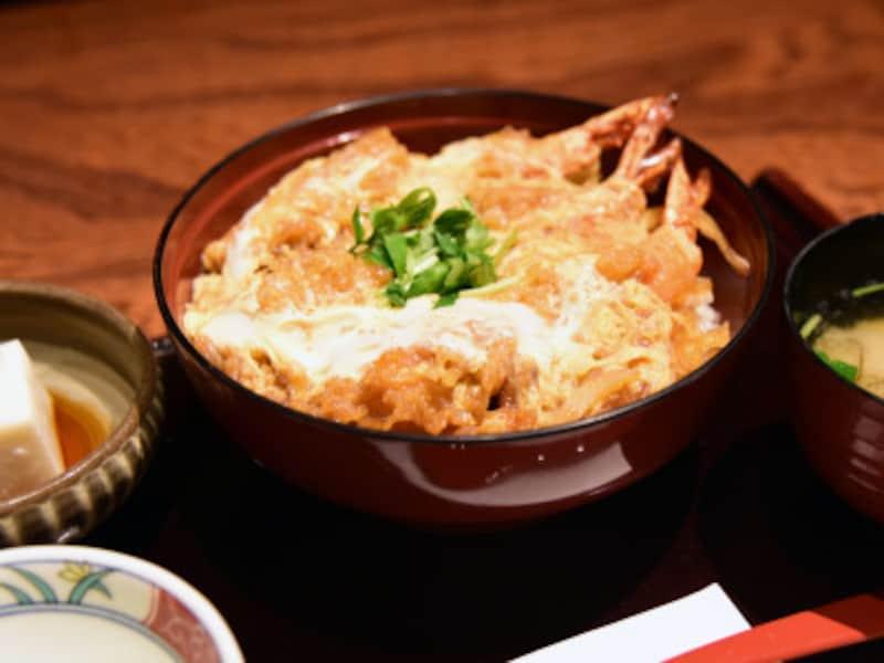「鎌倉丼」は、昔、鎌倉の海の名産だったエビを使った丼
