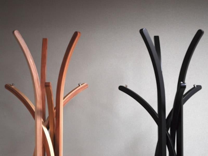 成形による木のハンガーの画像