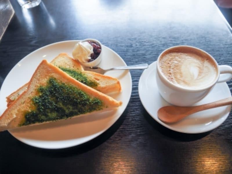 抹茶トーストとカプチーノ@素心