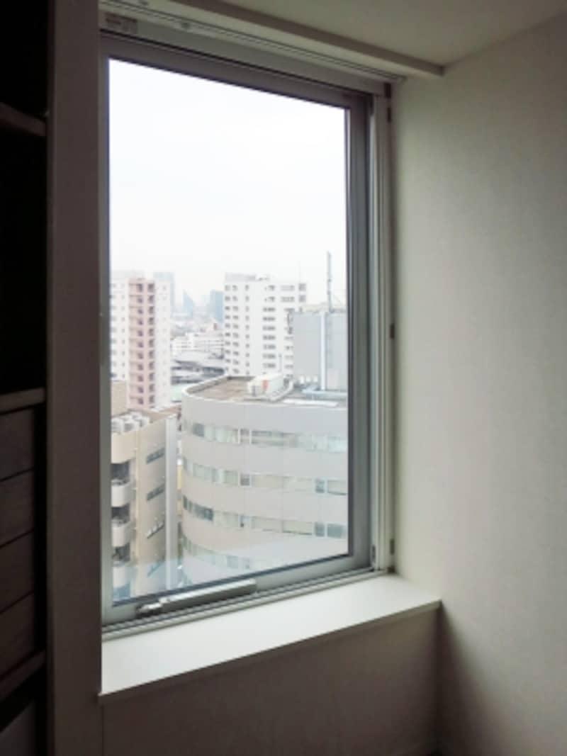 コールドドラフト現象が起きていた窓