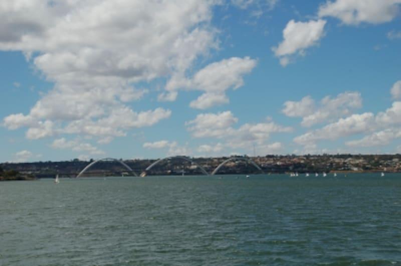 パラノア湖とクビチェック橋