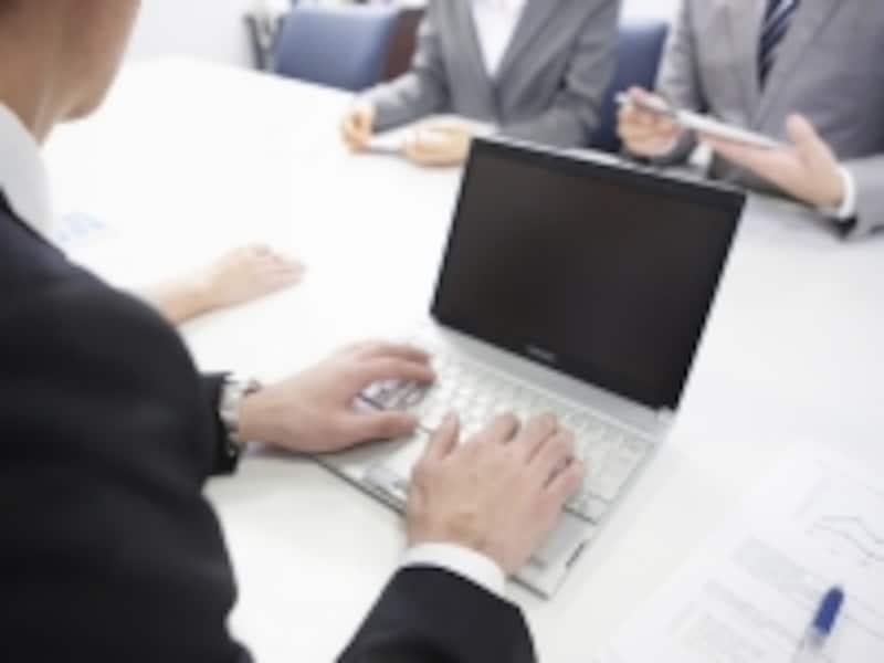 外からも利用できる社内システムは、営業職にとっても強い味方に