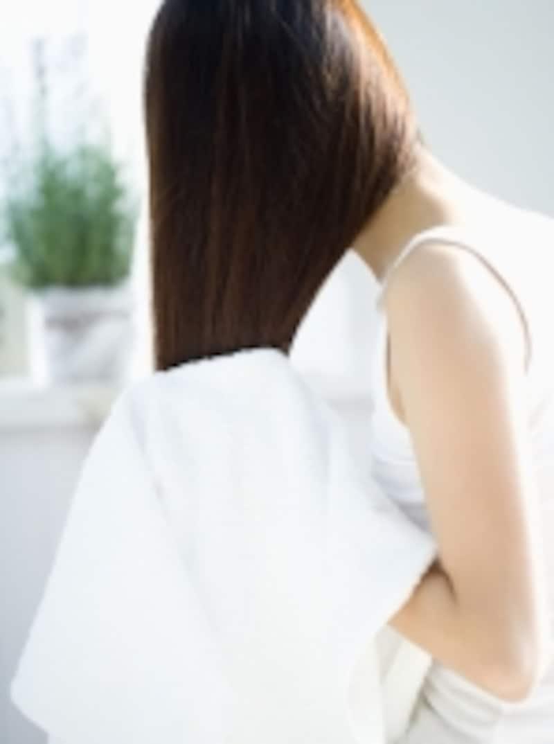 日本人の約8割が直毛?