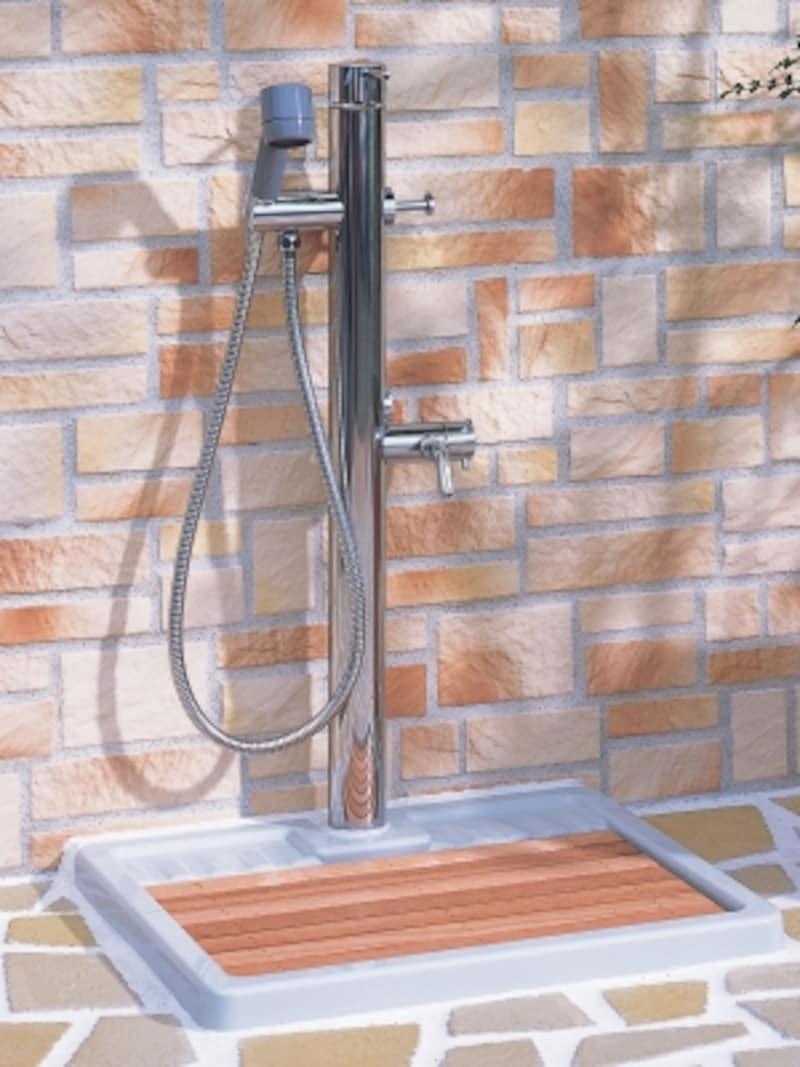 ペットのシャンプーだけでなくガーデニングにも使用できる。[ペット用水栓柱]undefinedLIXILhttp://www.lixil.co.jp/
