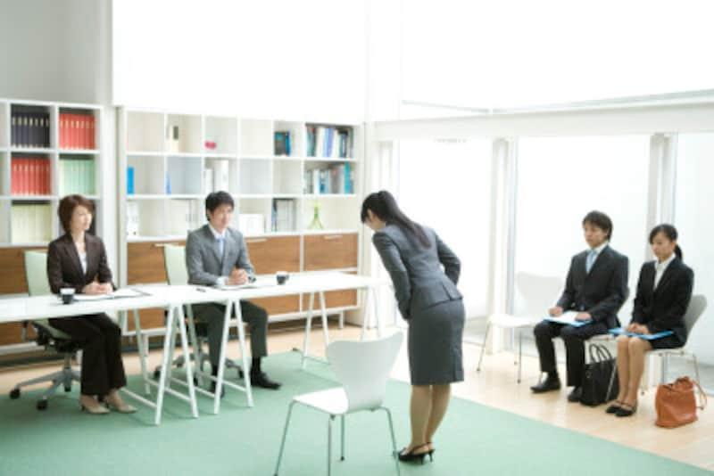 企業が学生に内定を出すのはとても重要な意思決定なのだ