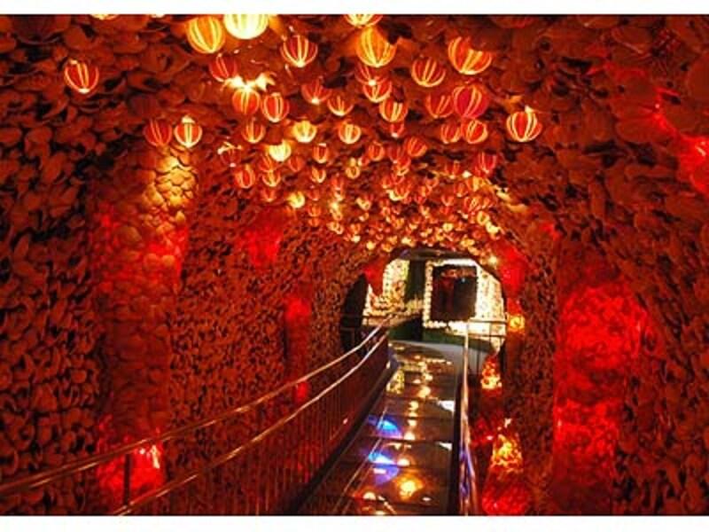 超シュールなノーチラストンネル