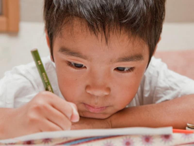 宿題嫌いな子供には「まず、1問だけといてみようか」と声をかけてみましょう
