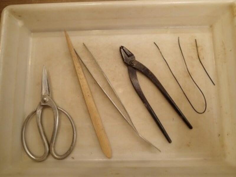 作業に必要な道具4種類と針金