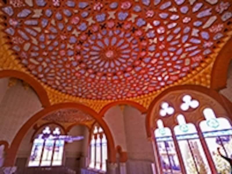 サン・パウ病院、廊下天井の装飾