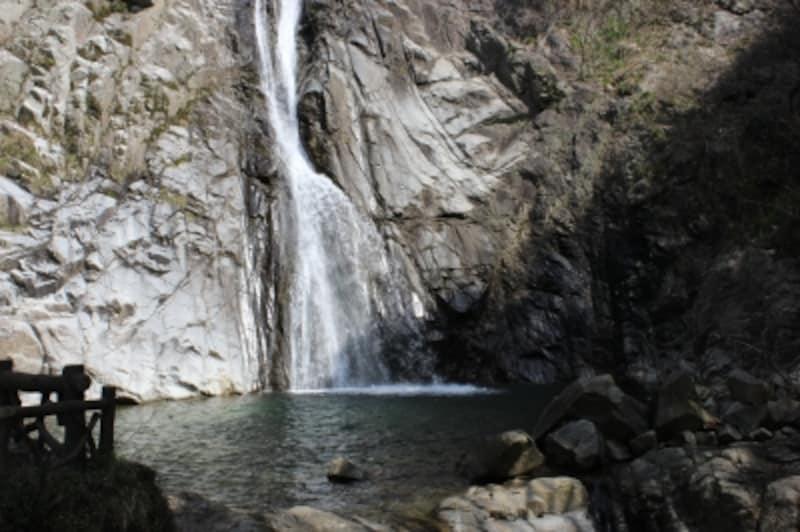 布引の雄滝
