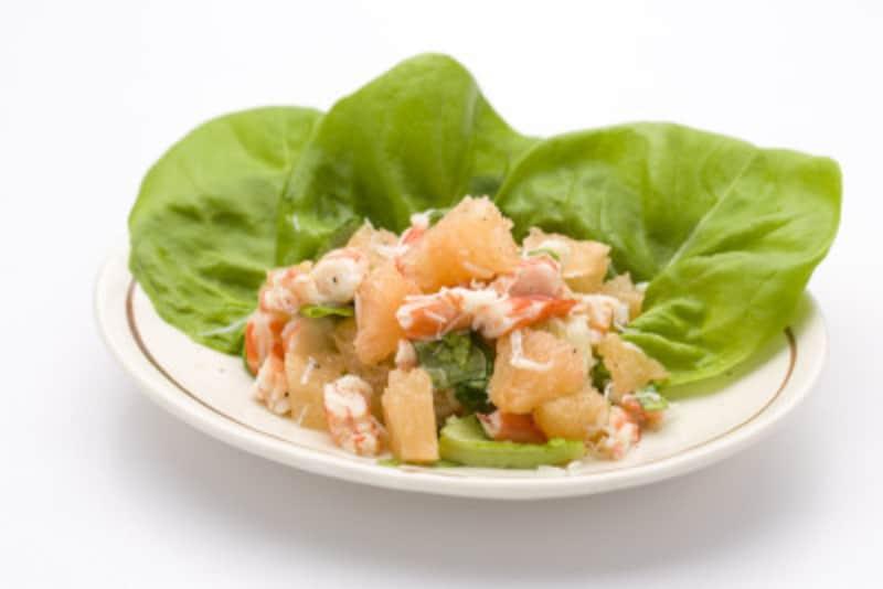グレープフルーツとカニのサラダは超簡単なガイド考案の料理。水切りしたカニ缶に混ぜるだけ