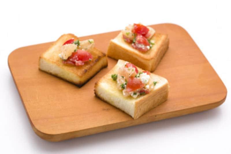 グレープフルーツとカッテージチーズを混ぜてトーストに載せるだけのブルスケッタ