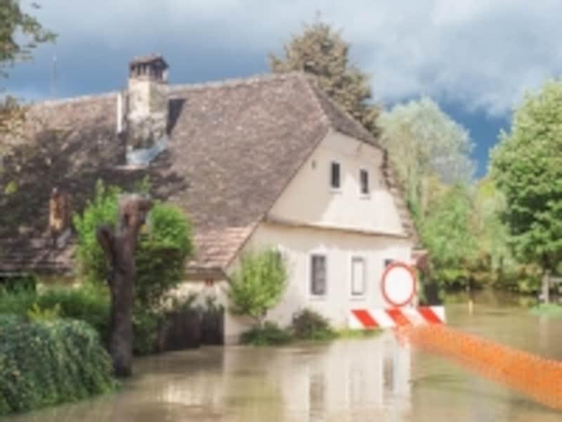 水害で保険証券が流失しても保険金は請求できる
