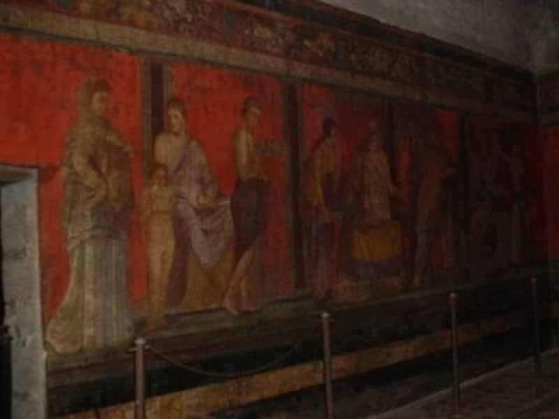 「ポンペイの赤」と言われる赤色が見事なポンペイ遺跡の壁画(世界遺産)