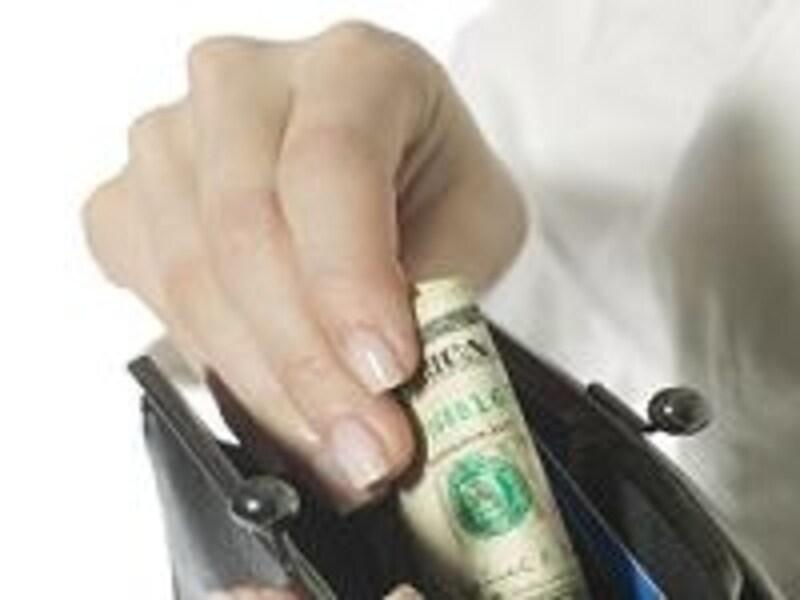 銀行法や割賦販売法で規制されるものは、貸金業法の対象外。でも、返済不能にならないよう策が講じられています。