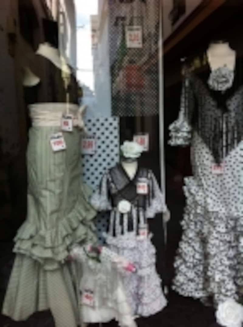 衣裳だけでなく、小物もコーディネイトされています