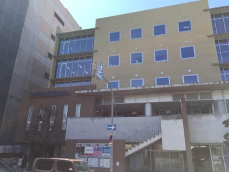 駅前の北千里医療ビル