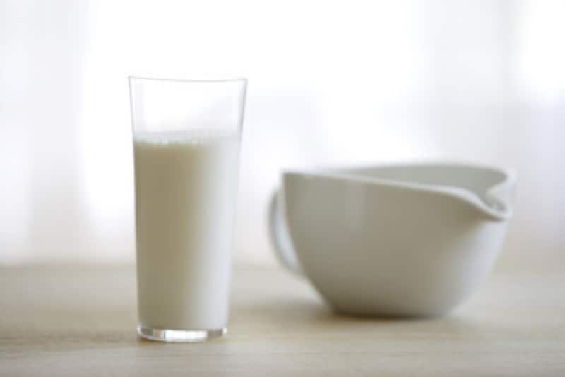牛乳は朝よりも夜が効果的?