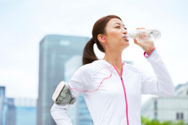 12時間断食ダイエットの効果を上げるには、歩くのも大事