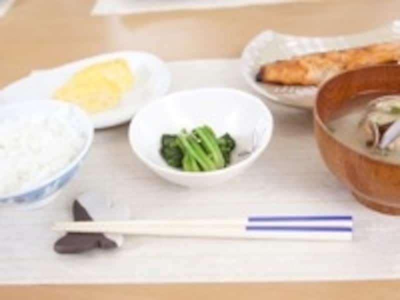 日本の伝統的なお膳はとても健康的