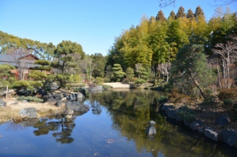のんびりと過ごせる日本庭園