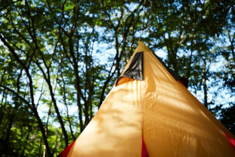 キャンプで寝れない!テントやマット、枕などのおすすめ対策