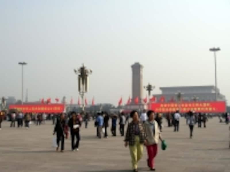 北京の服装「天安門広場」