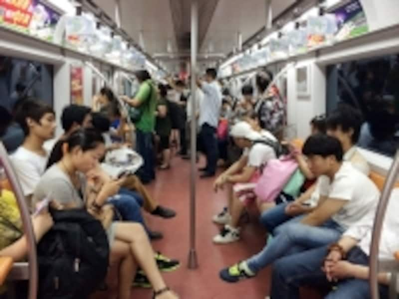 北京の服装「地下鉄」