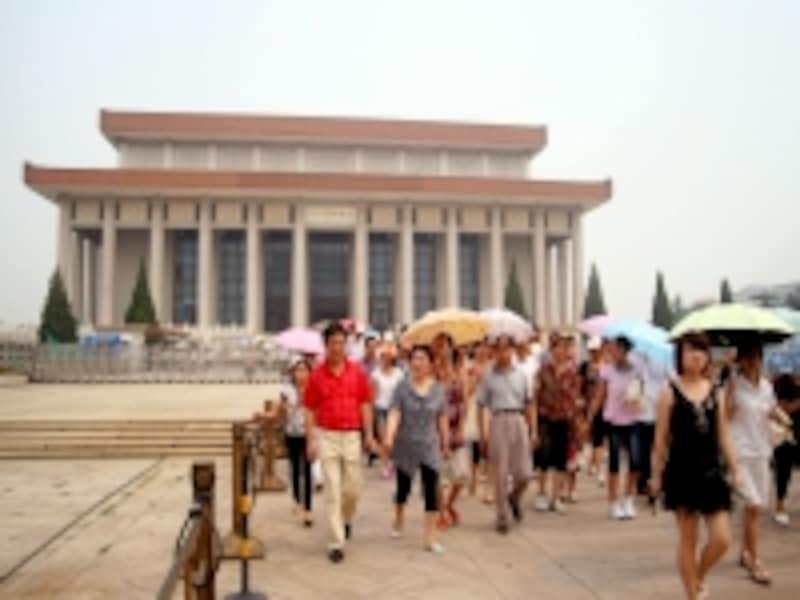 北京の服装「毛主席紀念堂」