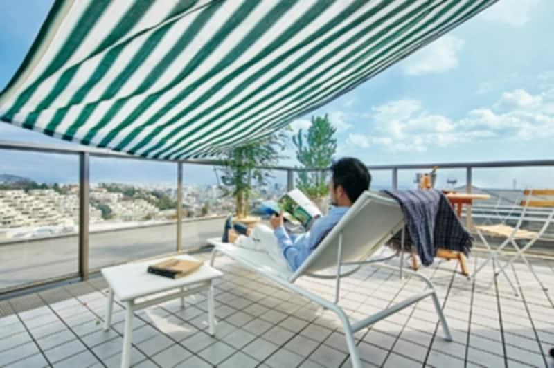 日常から少し離れ、屋上で過ごすひとときがあれば、わずかな時間でも気分転換やストレス解消ができそうです