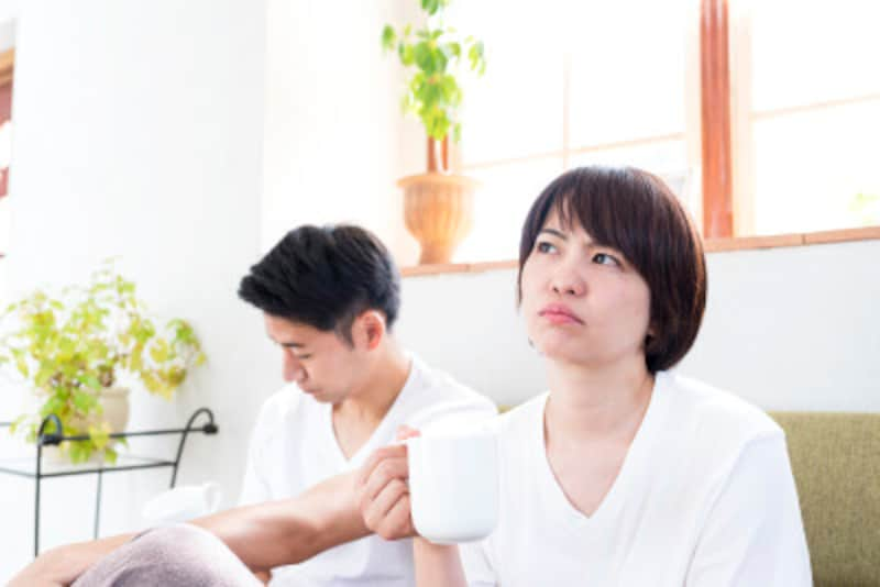 """""""ダメ男""""に引っかかってしまう女性もまた、関係を築くのが下手な人が多いもの"""